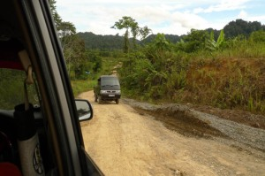 Bumpy ride: A truck drives along a dirt track in Bulungan regency. The new North Kalimantan province is hoping to speed up development in regions that lack infrastructure. JP/Prodita Sabarini